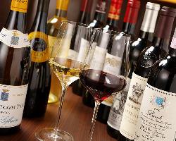 厳選したワインメニューのラインナップ