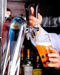 ビールを中心にウイスキー シングルモルト、カクテルなど幅広く
