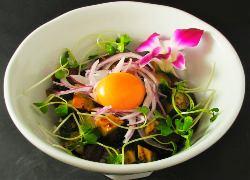 本日の鮮魚ハワイアンポキ丼 はじめ、「アジアンごはん」6種