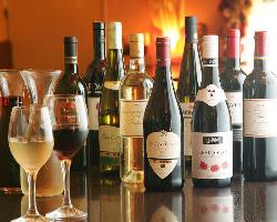 バリエーション豊かなワインの数々 グラスワイン400円♪