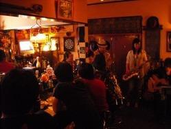 《ある日の生演奏Live》 お酒と音楽をお愉しみ頂けます!