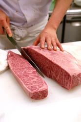 店内切り落としのお肉は 舌がとろけます♪