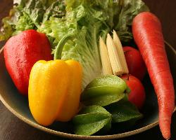 【野菜ソムリエ厳選】 資格をもつ店主が見極めた彩り豊かな野菜