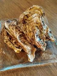 海鮮丼15種類以上ご用意。目も舌もお腹も満足♪