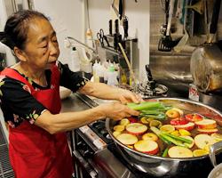 オモニが真心込めて手造りする 韓国料理は温かい優しい母の味。