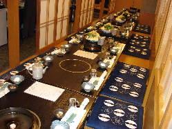 落ち着いた和の空間で、お食事やご宴会をお楽しみいただけます。