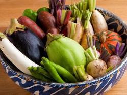 長年付き合いのある三島の農家から直送される新鮮な野菜。