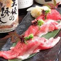 和牛と自家製豆腐をじっくりと煮込む肉豆腐が人気です!