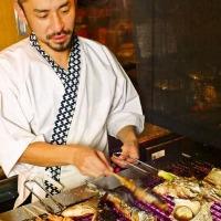 新鮮な旬の食材を職人さんが網の上で焼いて美味しくご提供!