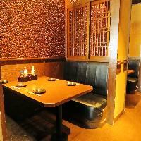 ゆったりお食事をお楽しみいただける半個室席2名様~ご案内可!