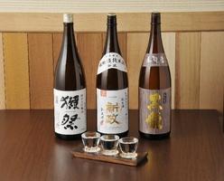 日本酒にこだわって約20種~ ご用意しております。