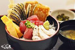 【三浦どん】 三浦の美味がぎっしりつまった逸品