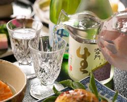 すっきり日本酒に甘みたっぷりの野菜、地元の味を堪能する