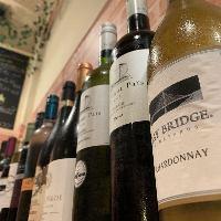 ワインに合う料理も数多く揃えております。ワイン飲み放題も開催