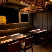 6~10名様用の半個室テーブル。 ご宴会におすすめのお席です。