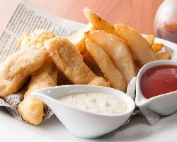 港直送!新鮮な魚を使った贅沢なフィッシュ&チップス!