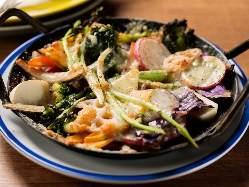 常に美味しいものを追求。枠にとらわれない多彩な料理