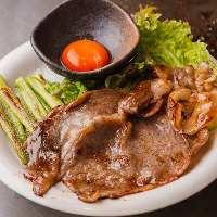 【肉料理】 『鉄板すき焼き』をはじめご飯もすすむ逸品が多数