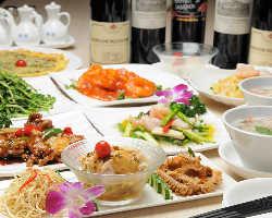 こだわり食材や人気料理を愉しむ飲み放題付きコース3,500円〜