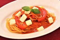 ◆トマトとモッツァレラのパスタ◆