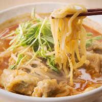 こだわり卵麺を使用した担々麺も大人気!