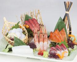 旬の魚介の美味しさを6種類厳選して盛り込んだ板長オススメの肴
