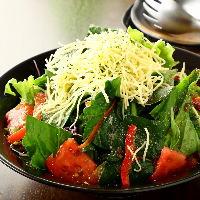 新鮮野菜のサラダ♪ 野菜は国産使用です。