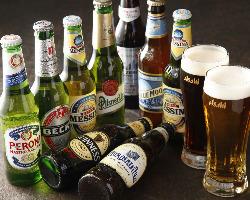[豊富なドリンク] ワイン以外にも世界のビールなど豊富な品揃え
