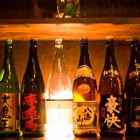 日本各地から取り寄せた自慢の逸品にぴったりな焼酎や日本酒も◎