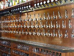 ドイツビール中心に輸入ビール・地ビールの豊富なラインナップ!
