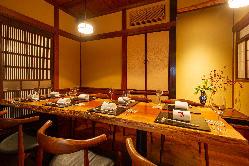 日本風雅を再現した完全個室で本格会席料理をお楽しみ下さい。
