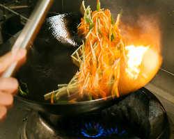 本場中国の有名店で修行をした料理人が手作りしております。