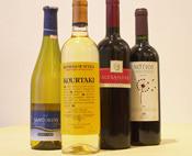ワインの種類も豊富。お客様に合った一本を提供します。