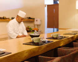接待・ご会食に最適な和の寛ぎ空間でごゆっくりとお食事を