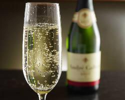 お誕生日にご利用の際はシャンパンボトルをプレゼント!