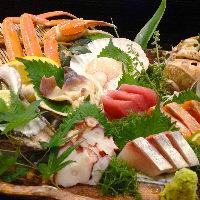 北海道をはじめ新鮮な海の幸をご用意。お酒との相性も抜群です。