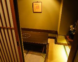 小上がりのお座敷席。個室としてご利用いただけます。