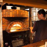 石窯で焼いた本格pizza♪是非ご賞味ください。