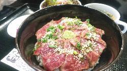 ランチメニューはお得に宮崎牛をお楽しみいただけます。
