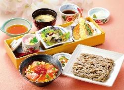 海鮮丼・天ぷら・そばなど、こだわり和食を心ゆくまで。