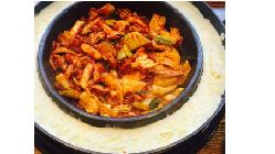 韓国で大人気チーズタッカルビ味と異国情緒を堪能できる空間