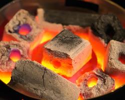 備長炭で軽く炙って激レアで召し上がっていただきたい。