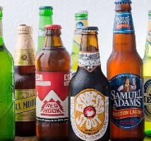 オーナーが世界中から取り寄せたクラフトビール