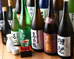 日本酒や焼酎も様々な銘柄を取り揃えてお待ちしています