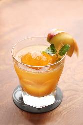 季節のカクテル リンゴとキャラメルのオールドファッションド