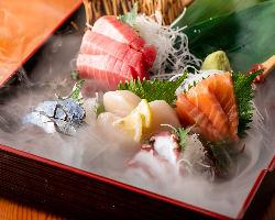 落ち着いた店内で、絶品九州料理を楽しんでいただけます。