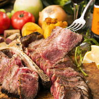熟成肉で人気の赤身肉を堪能!!Tボーンステーキは必食