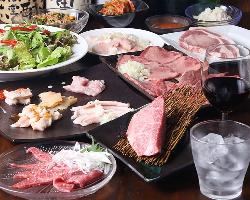 A4ランク以上の黒毛和牛や国産のホルモンなどお肉の盛り合わせ♪