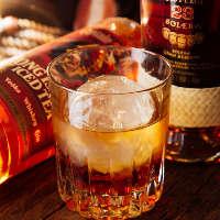 【絶品ドリンク】 ウイスキーは丸氷で…提供方法にもこだわります