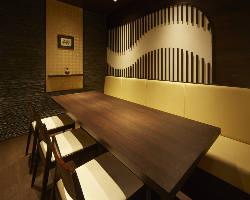 ご接待に最適な個室を完備/大手町駅より直通パレスビルB1フロア